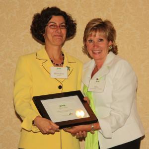 "Representative Jennifer Weiss receives ""The Joe"" at 2012 Green Tie Awards"