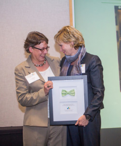 Nina Szlosberg-Landis receiving 2016 Jane Sharp Lifetime Achievement Award